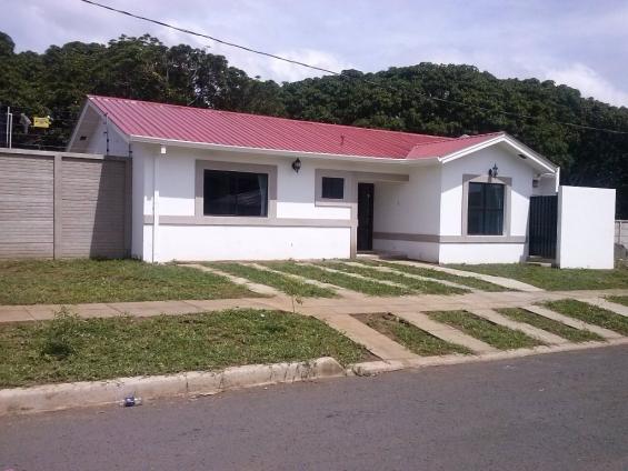 Venta de casas en residencial privado, zona carretera a masaya