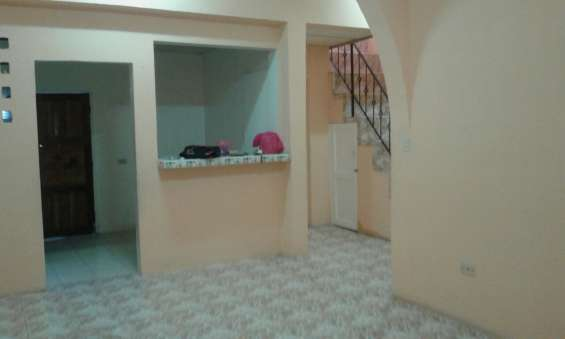 Casa de 2 pisos en alquiler en batahola sur managua $ 300.00
