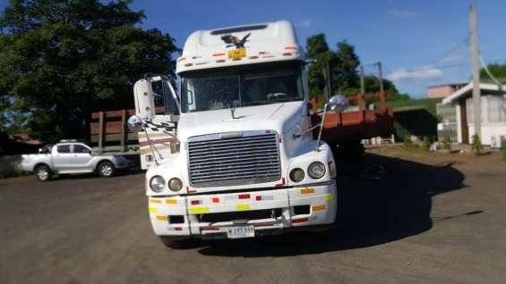 Cabezal freightliner century en venta en carretera vieja leon